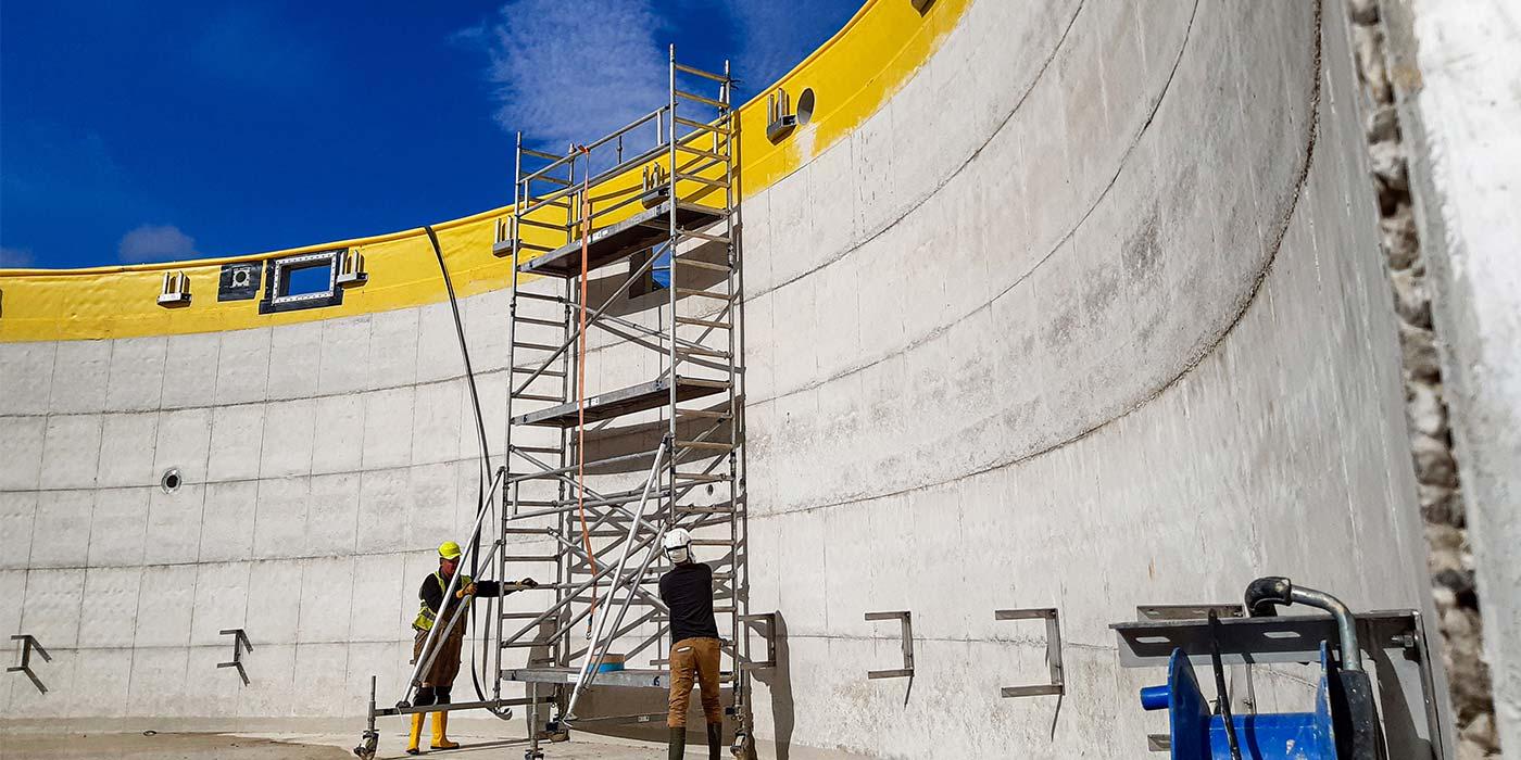 Achèvement de la construction des cuves à Plainval – Début de l'installation technique